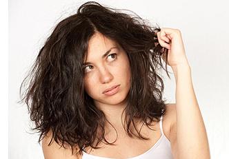 Remédios e tratamentos caseiros para acabar com os cabelos secos