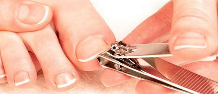 Aprenda a cortar as unhas dos pés corretamente