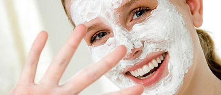 Esfoliante caseiro para o rosto a base de açúcar mascavo