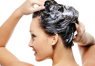 Como esfoliar o couro cabeludo