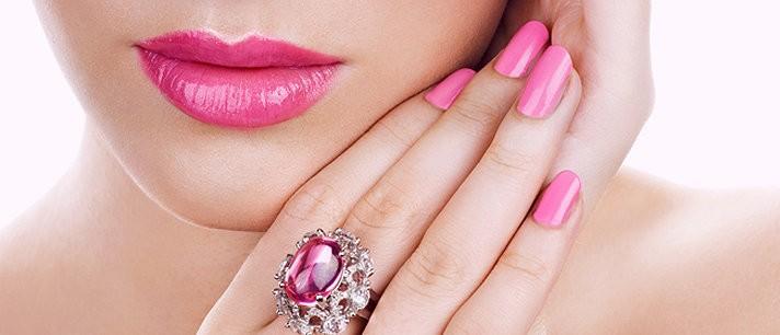 O batom rosa perfeito para o seu tom de pele