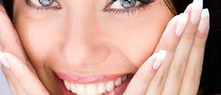 Aprenda como clarear os dentes naturalmente