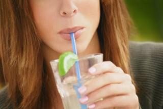 Hábitos que causam o envelhecimento da pele