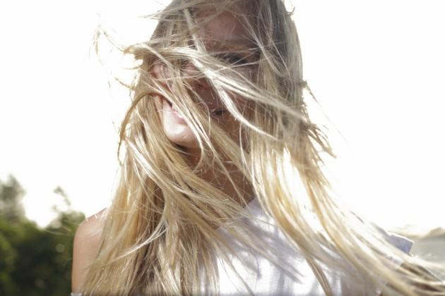 Como secar seu cabelo naturalmente