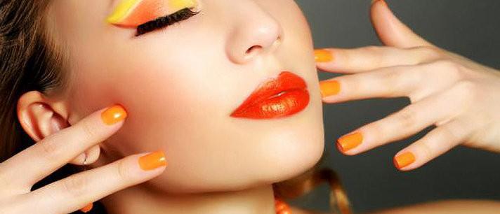 Maquiagem em laranja e amarelo para o verão