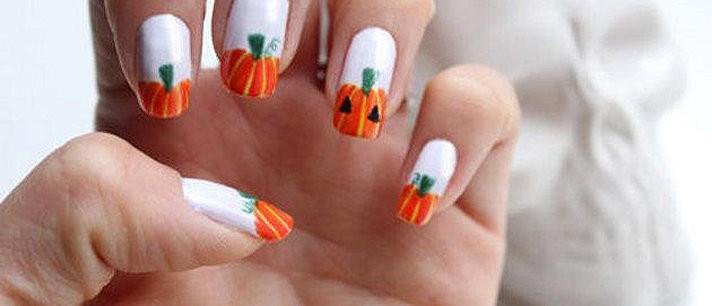 Unhas decoradas para Halloween: abóboras!