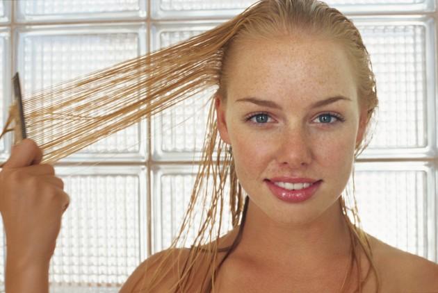 Que vitaminas é melhor para o crescimento e contra uma perda do cabelo