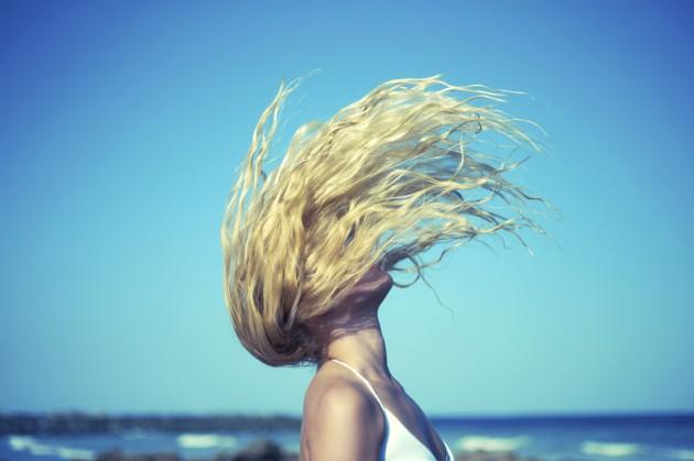 5 mitos sobre os primeiros cabelos brancos