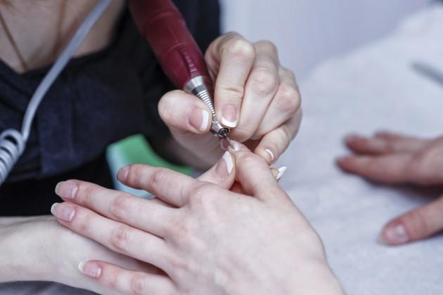 Tatuagens nas cutículas: A nova tendência