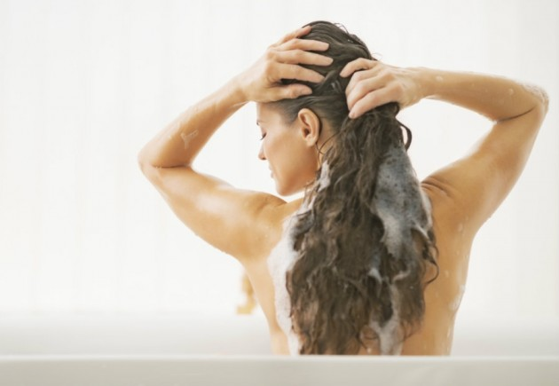 5 maus hábitos que danificam o cabelo