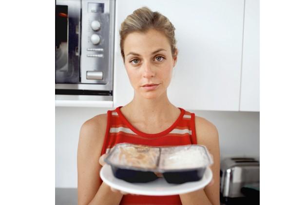 8 razões para não usar o micro-ondas para cozinhar
