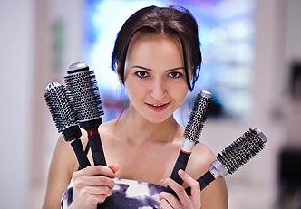 Dicas de como limpar suas escovas de cabelo