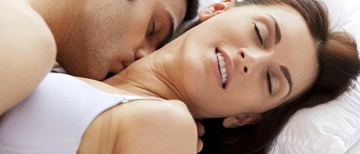 Dicas para cobrir com a maquiagem marca de beijos apaixonados