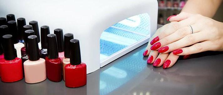 Coisas que sua manicure não quer que você saiba sobre as unhas de gel