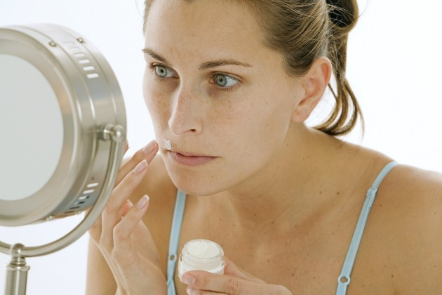 Como eliminar o pelo facial sem danificar a pele?