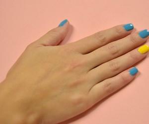 Decore suas unhas com minions!