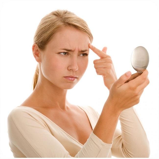 3 dicas para prevenir o aparecimento de espinhas no rosto