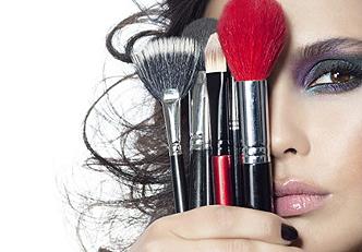 4 surpreendentes usos que você pode dar ao seus básicos de maquiagem