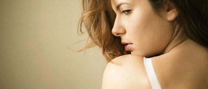 5 batons que ficam bem em mulheres pálidas
