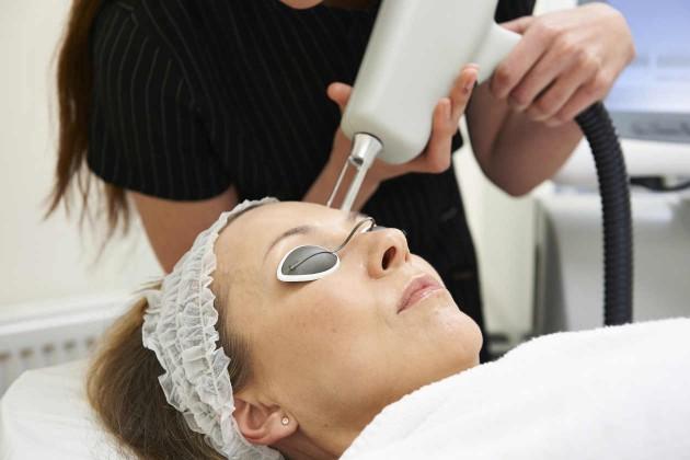5 tratamentos de pele com laser que você precisa saber