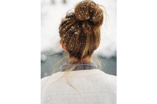 4 penteados com coques para o dia-a-dia
