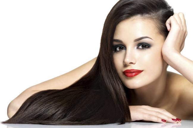 3 maneiras de cuidar do seu cabelo para protege-lo do calor que o danifica