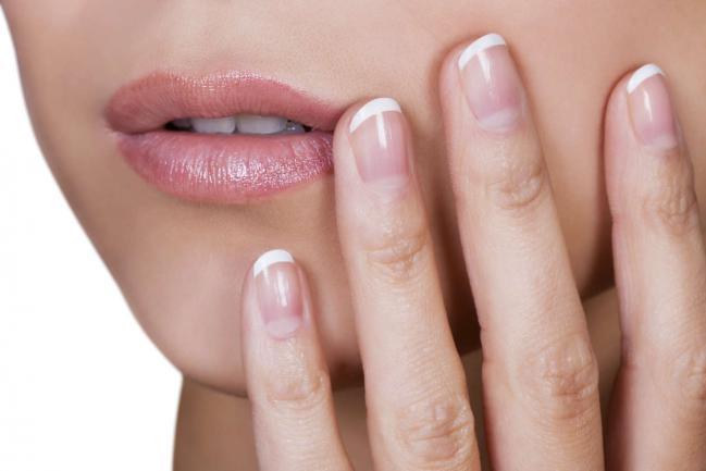 7 maneiras de hidratar sua pele durante a noite