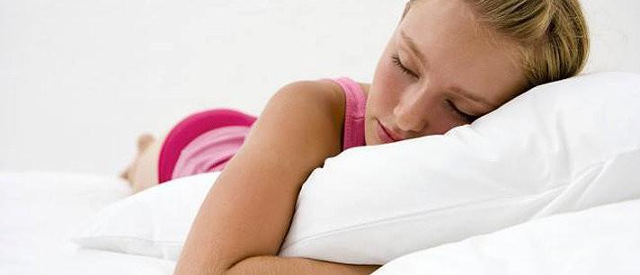 Descubra por que os adolescentes dormem tanto