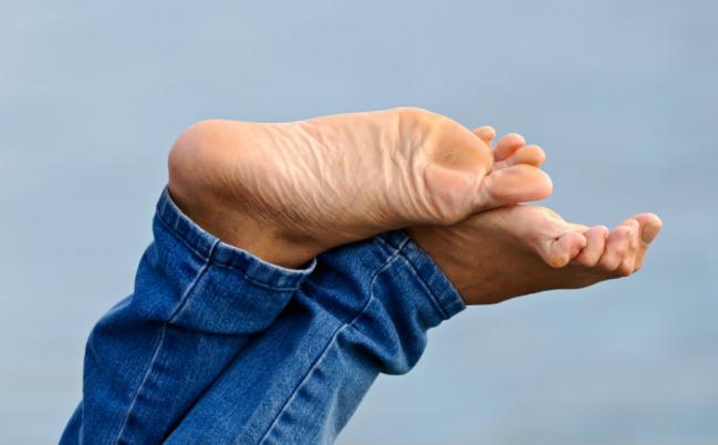 Dicas para manter os pés relaxados