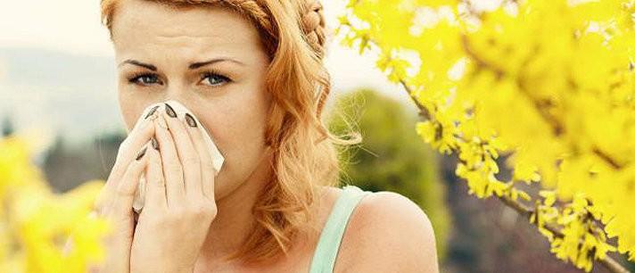 Por que o espirro saí quando olhamos para o sol?