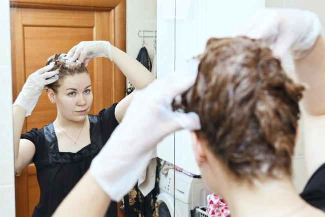 4 produtos de beleza que você deve evitar usar em seu cabelo