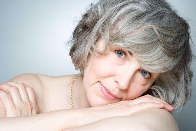 Dicas de beleza para um cabelo grisalho genial