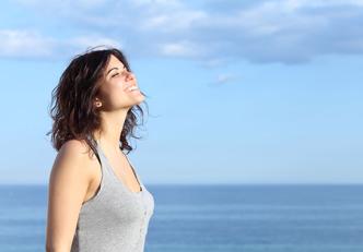 Os 3 melhores exercícios para relaxar em casa ou no escritório