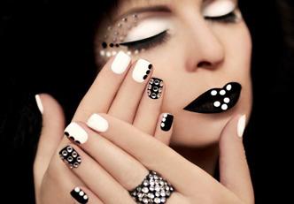Os 10 melhores nail art em preto e branco