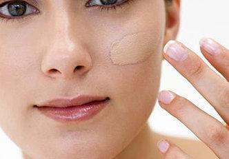6 truques para a base durar mais na pele