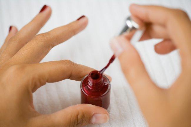 Truque com vinagre para fazer a sua manicure durar mais tempo