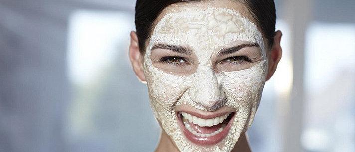 Máscaras faciais caseiras com bicarbonato de sódio