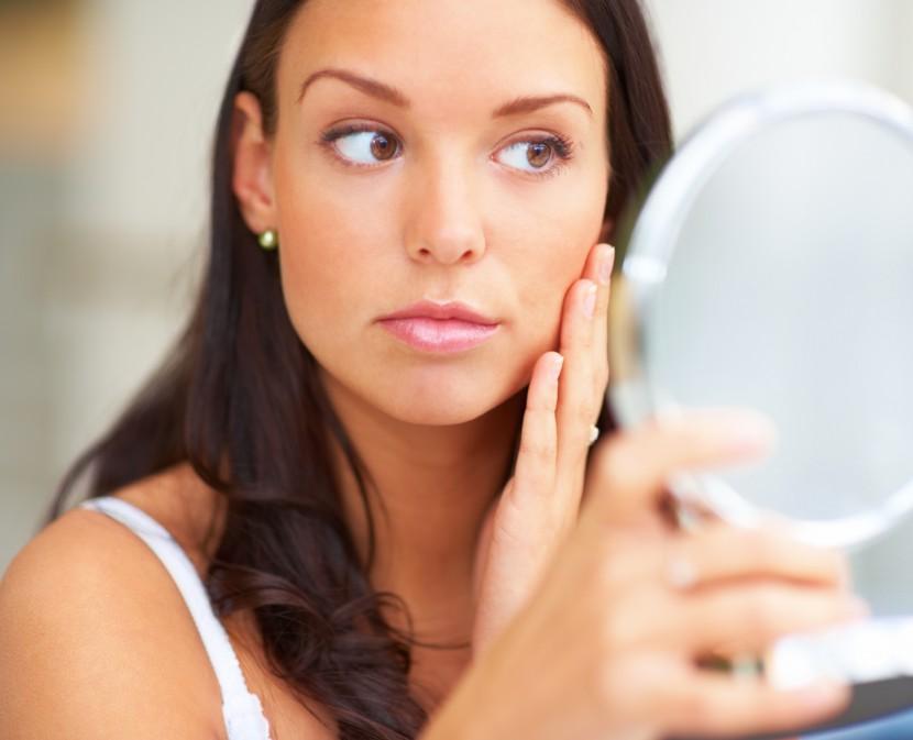 Por que aparecem as manchas da idade na pele