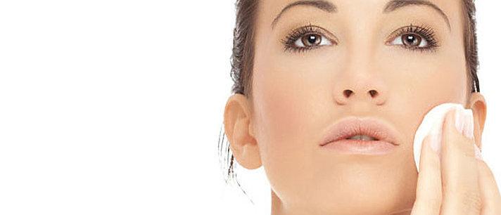 3 dicas para remover toda a maquiagem de seu rosto