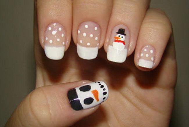 Arrase no natal com unhas decoradas com bonecos de neve!