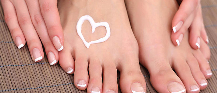 Aprenda a cuidar dos pés em casa