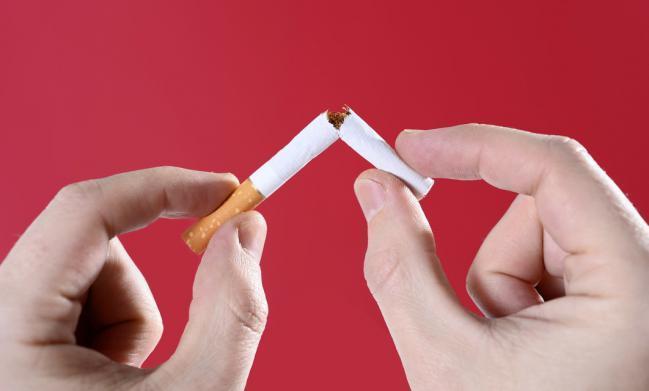 Fumar pode danificar o cérebro do seu bebê