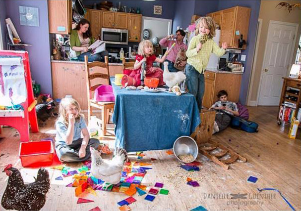 Se você é mãe vai se sentir 100% identificada com estas hilárias fotos de família