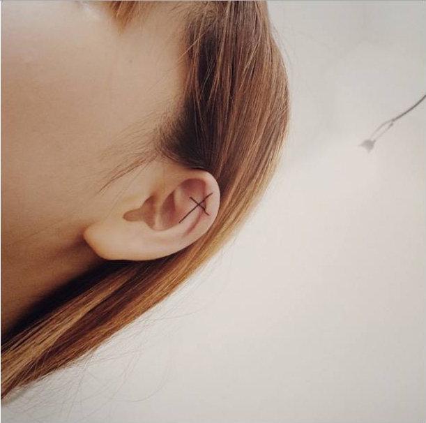 14-delicadas-tatuagens-para-orelhas4