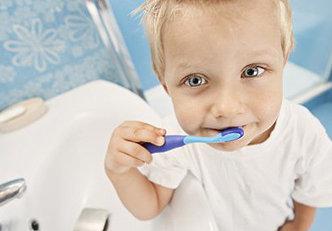 4 dicas para manter saudáveis os dentes das crianças