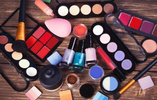 Descubra se você é viciada em maquiagem
