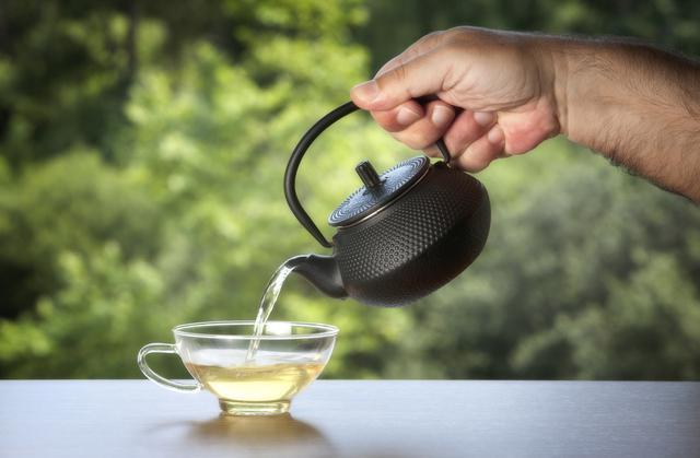 Diferença do chá verde, branco e vermelho.