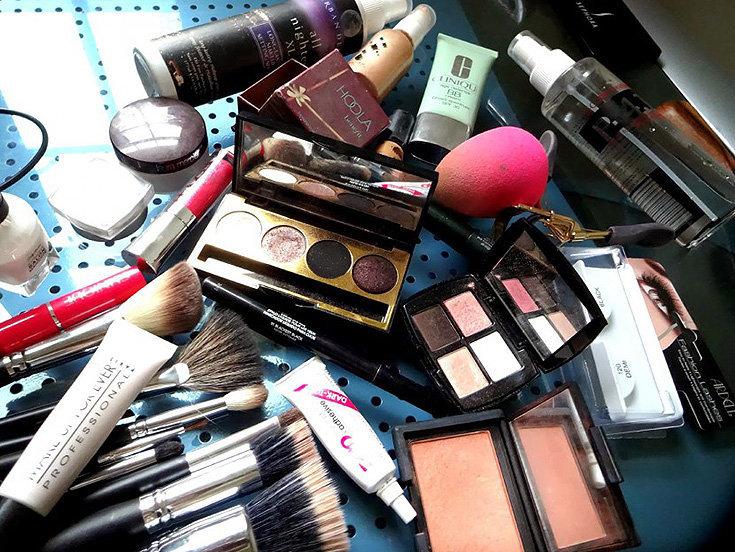 aprenda-quando-se-desfazer-dos-produtos-de-beleza1