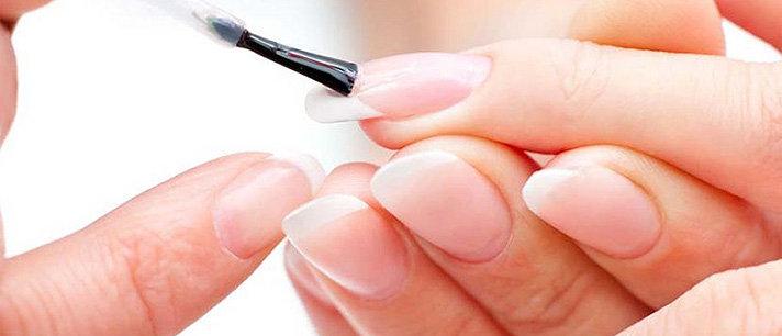 Truques infalíveis para uma boa manicure caseira