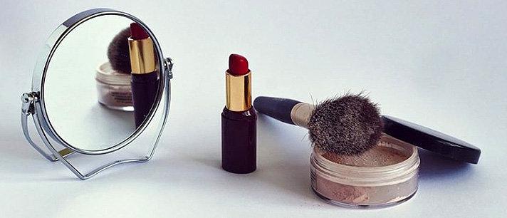 Como recuperar os produtos de maquiagem quando quebram